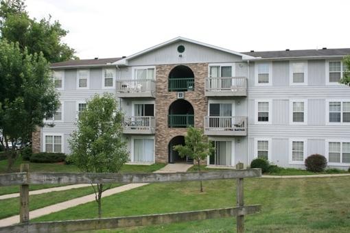 college park 204b athens campus rentals. Black Bedroom Furniture Sets. Home Design Ideas